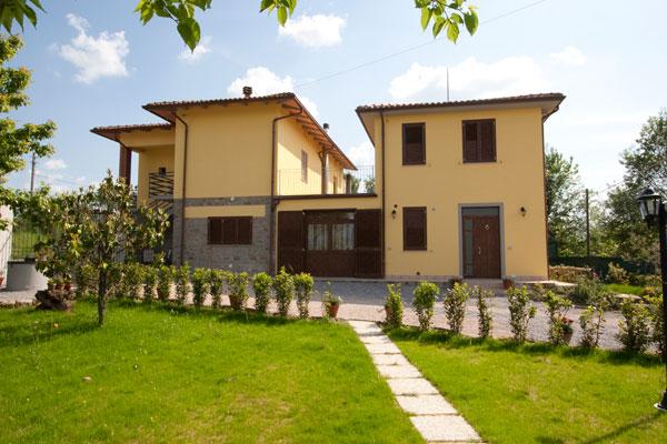 Appartamenti per vacanze cortona pap giuseppe affitto for Colore facciata casa campagna
